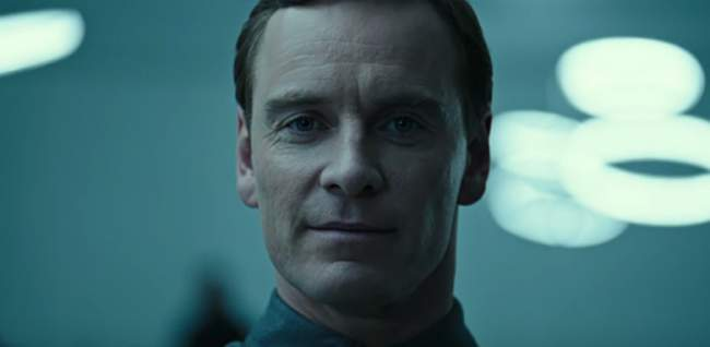 Alien: Covenant, in Cina censurato il bacio gay di  Michael Fassbender