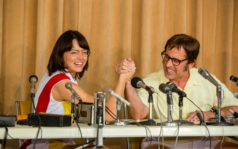 LA BATTAGLIA DEI SESSI – Emma Stone è l'icona LGBT Billie Jean King: trailer e poster italiano