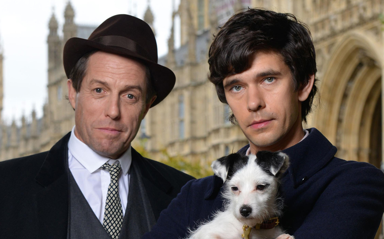 A Very English Scandal, Hugh Grant e Ben Whishaw nella mini-serie gay di Stephen Frears – la prima immagine