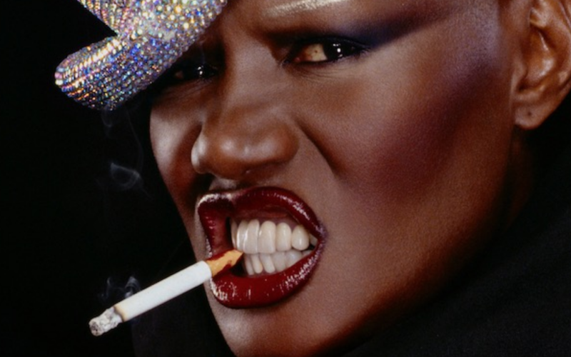 GRACE JONES: BLOODLIGHT AND BAMI, gallery, poster e trailer italiano del documentario